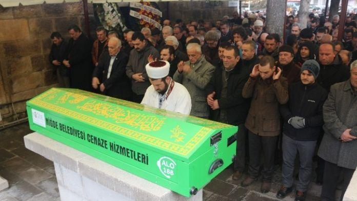 Eczacı Naim Erem'in Babası Ayhan Erem Toprağa Verildi