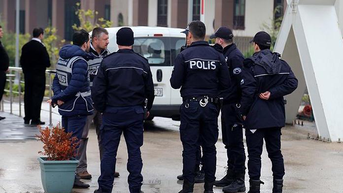 Van'da HDP yöneticileri gözaltına alındı !