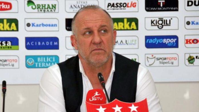 Sivasspor Mesut Bakkal ile anlaştı