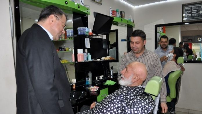Başkan Turgut, Taşucu Esnafını Ziyaret Etti