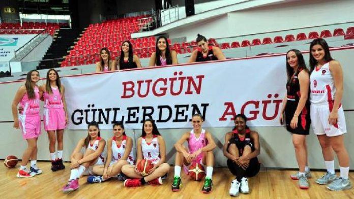 AGÜ Spor'un grupta 4'üncü olabilme maçı