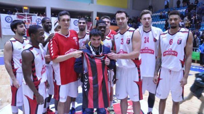Muratbey Uşak Sportif'te yüzler gülüyor