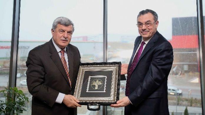 Başkan Karaosmanoğlu, Kuveyt Türk'e Konuk Oldu