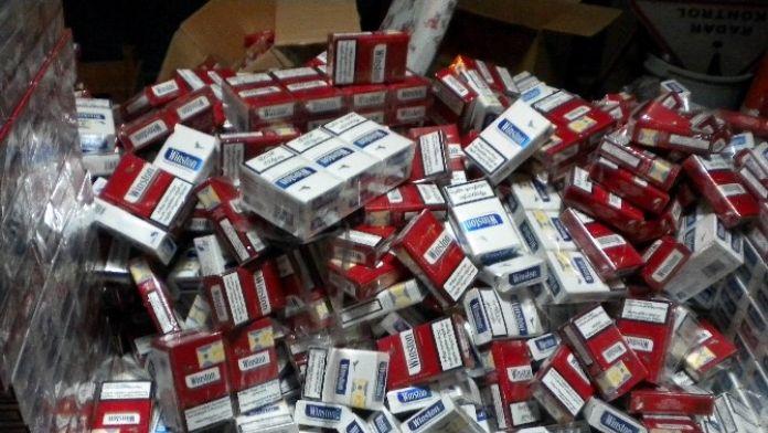Otomobilde 2 Bin Paket Kaçak Sigara Ele Geçti