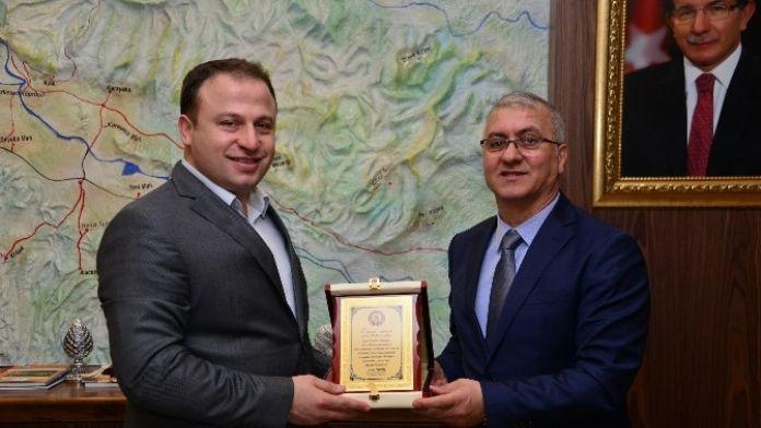 Erbaa Belediyesi'nde Toplu İş Sözleşmesi Sevinci