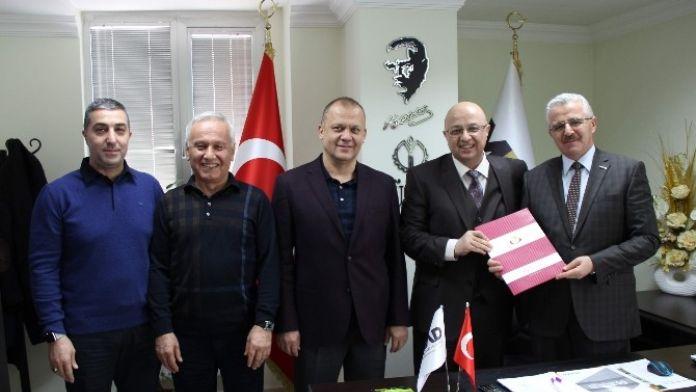 MÜSİAD İle Özel Medikar Hastanesi Arasında Sağlık Sözleşmesi İmzalandı