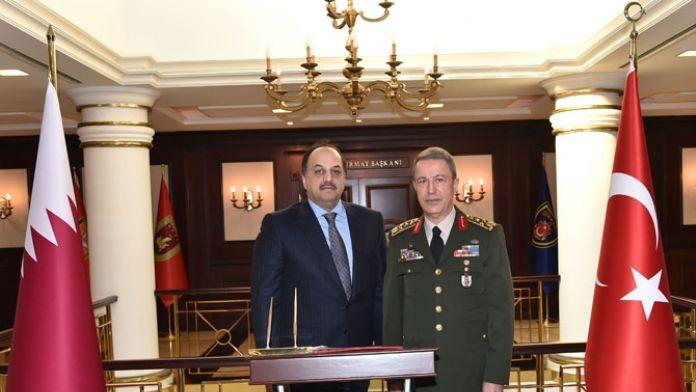 Katar Savunma Bakanı Genelkurmay karargahında