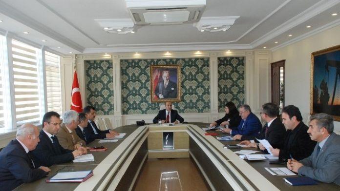 Vali Demirtaş'tan Kamu Yatırımlarına Sıkı Takip