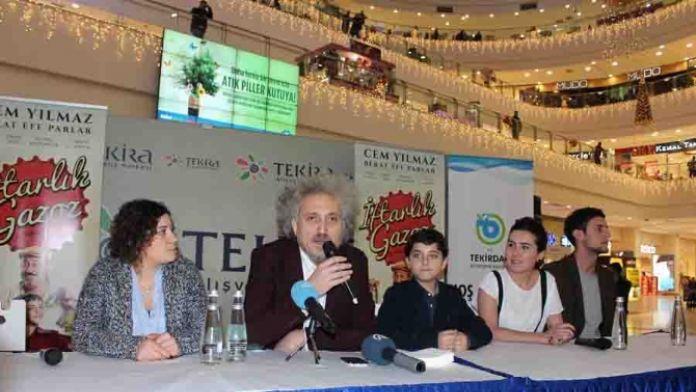 'İftarlık Gazoz' filminin oyuncuları hayranlarıyla buluştu