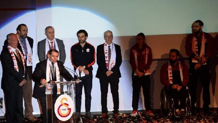 Galatasaray camiası 'Tek Bilek Tek Yürek' kampanyası için buluştu