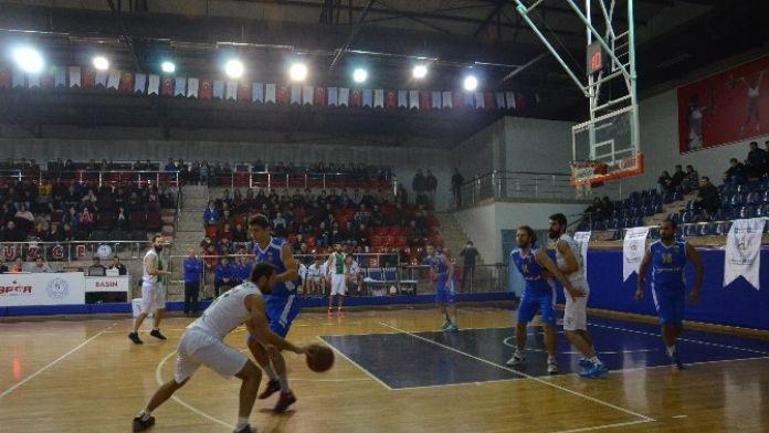 Basketbolda Denk Kuvvetlerin Maçı