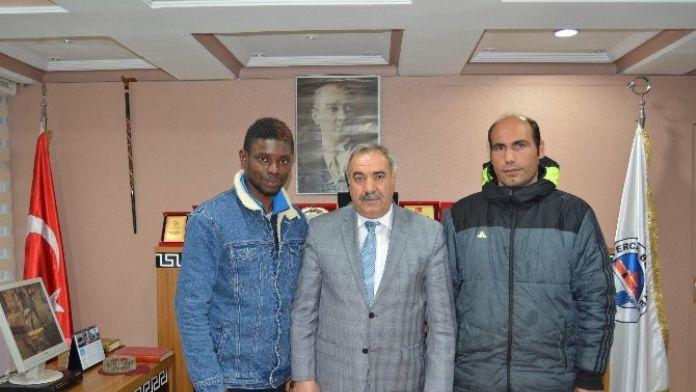 Tercan 17 Şubat Spor'a Nijeryalı Futbolcu