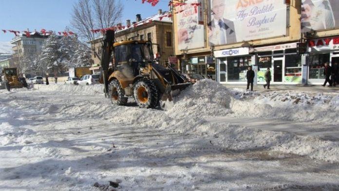 Kar Temizlik Çalışmaları Aralıksız Sürüyor