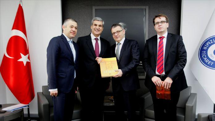 Çek Cumhuriyeti Dışişleri Bakanı Zaoralek İzmir'de