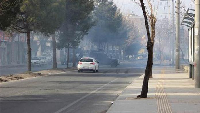 Dirbakyaır'daki protesto gösterisinde olay çıktı: Bir ölü
