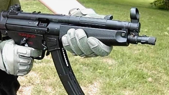 Çiftlik evinde MP5 ele geçirildi