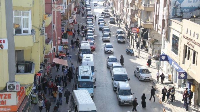 Sakarya'da 2015 Yılı Sonu İtibariyle Trafiğe Kayıtlı Araç Sayısı 245 Bin 537 Oldu