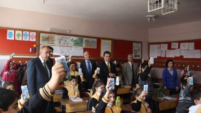 Diyarbakır'da 'Okul Sütü' Dağıtımı Başladı
