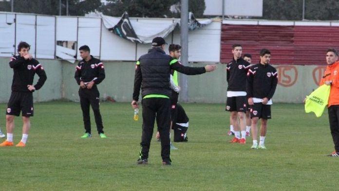 Adanaspor'da Denizlispor Mesaisi Sürüyor