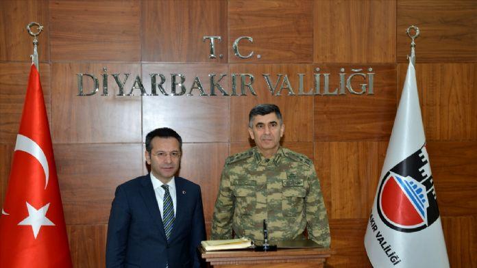 Diyarbakır'a kritik ziyaret !