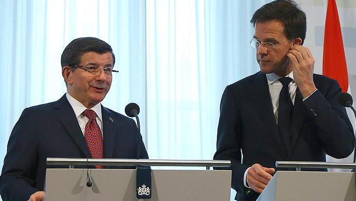Başbakan Ahmet Davutoğlu'ndan kritik açıklamalar
