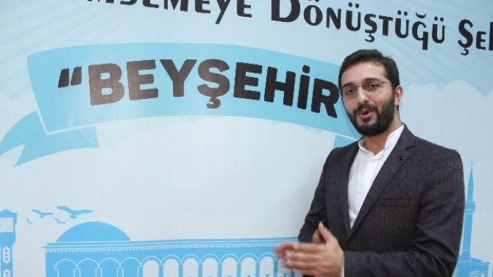 Yazar Hikmet Anıl Öztekin, Beyşehir'de Söyleşiye Katıldı