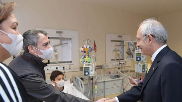 CHP lideri minik hayranını ziyaret etti