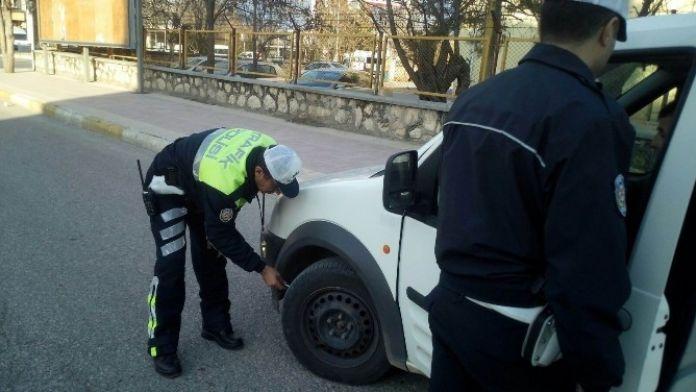 Araçların Kış Lastiği Kontrolü Yapıldı