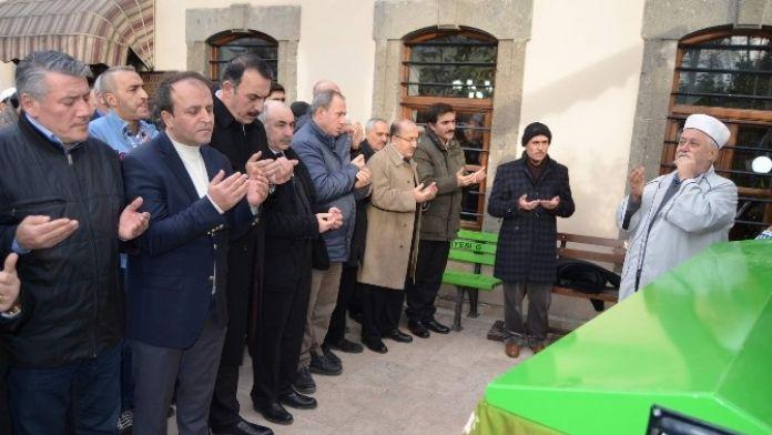Trabzon İnşaatçılar Odası Ve Faal Emlakçılar Derneği Başkanı Ayhan Taflan'ın Anne Acısı