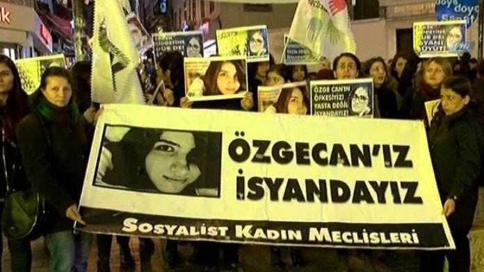 İstanbul'da Özgecan Aslan protestosu