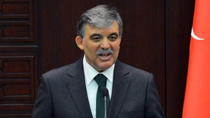 Abdullah Gül'den çelenk ricası
