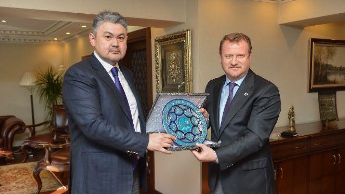 Bakan Yardımcısı Daniş, Kazak Mevkidaşı Kosherbaev İle Görüştü