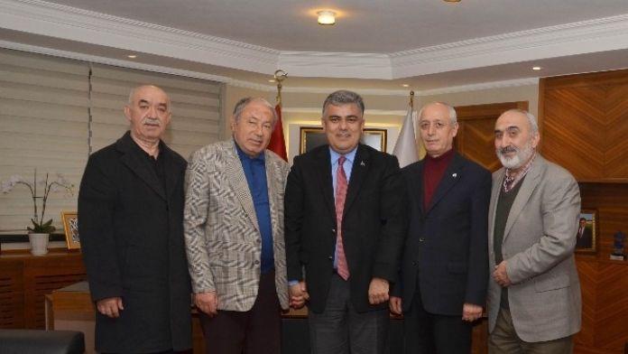 Huzur Evi Yönetiminden Başkan Özgüven'e Ziyaret