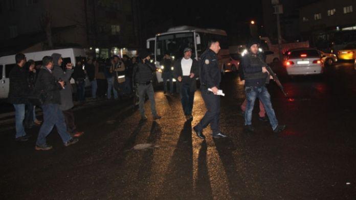 600 polis sokağa indi!