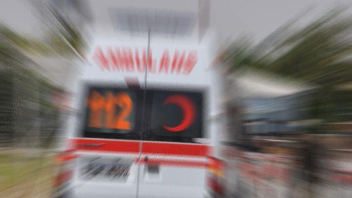 Yolcu otobüsü ile kamyon çarpıştı: 9 yaralı