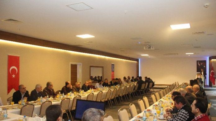 İzmir Üniversitesi Hastanesi İstok'u Ağırladı