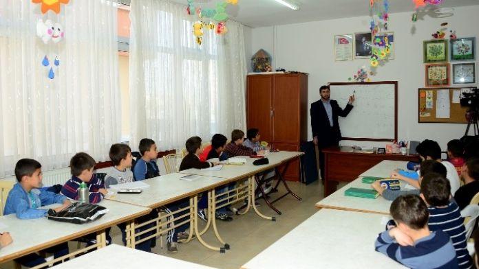 Öğrenciler Hafta Sonları Genç Komek'te