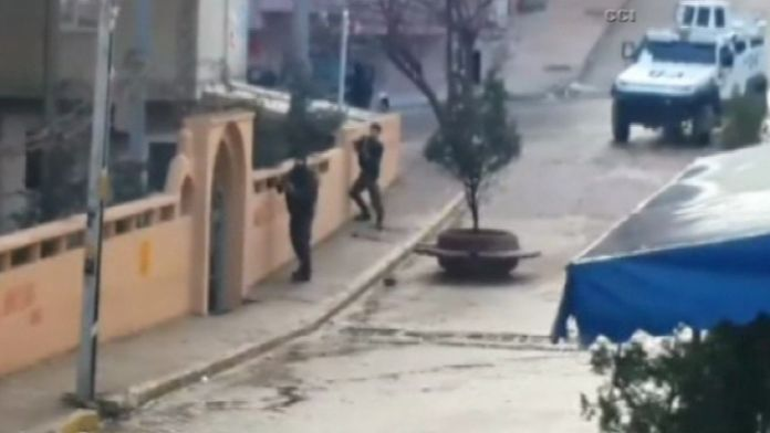 Göstericilere polis müdahalesi