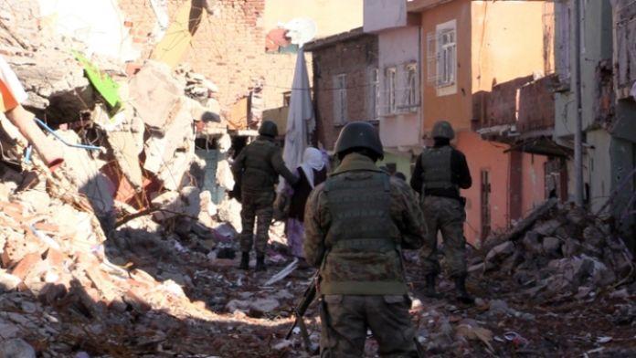 Diyarbakır Valisi: Sur'un yüzde 95'i temizlendi