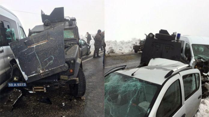 Muş'ta zincirleme kaza: 2'si polis 7 yaralı