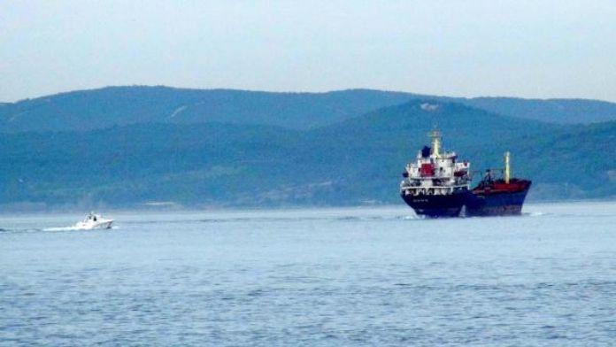 Rus askeri kargo gemisi Çanakkale'den geçti