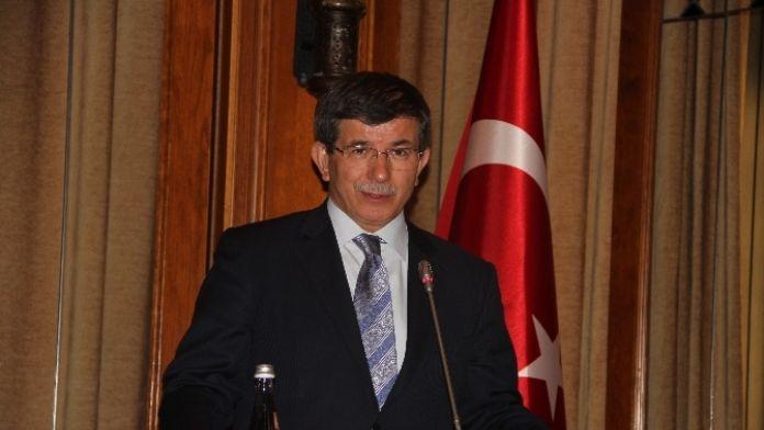 Davutoğlu, Anayasa Komisyonu üyesi 3 isimle buluştu