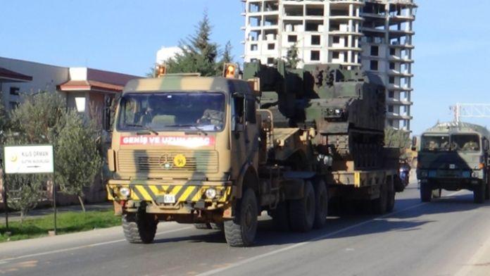 Sınıra askeri sevkiyat: Namlular Suriye'ye çevrildi