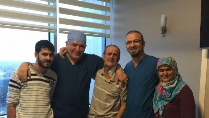 'İyileşmez' Denen Şah Damarı Felçli Hasta 1 Haftada Ayağa Kalktı