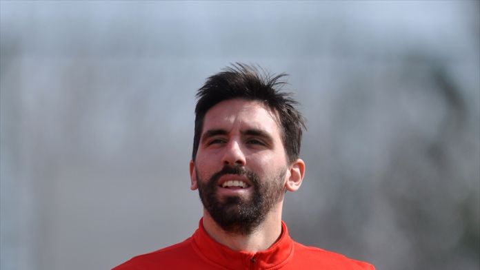 İspanyol futbolcu Figueras'tan Arda Turan'a övgü