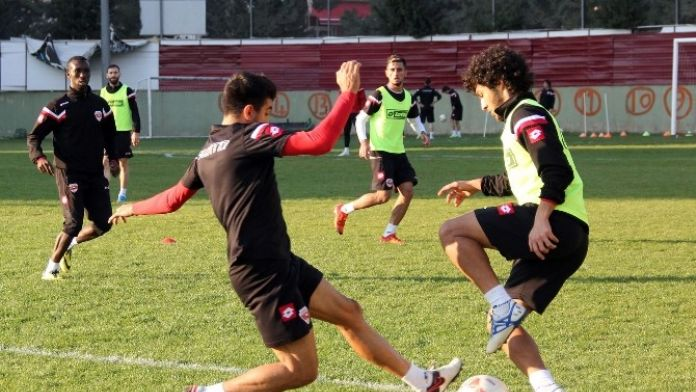 Adanaspor'da Balıkesirspor Mesaisi Sürüyor