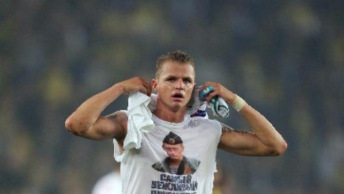 Rus Oyuncunun Tişörtüne 10 Maça Kadar Ceza Gelebilir