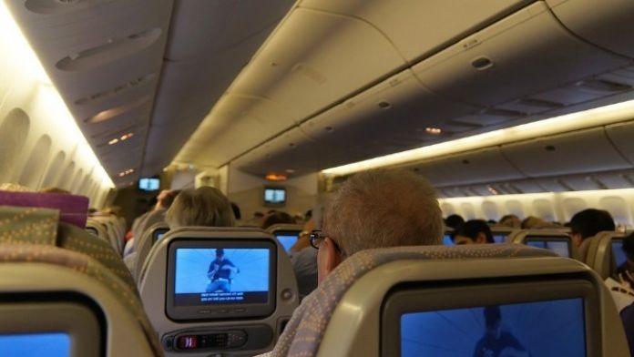 'Klimaları Açın, Patladık Sıcaktan' Diyen Uçaktan İndirilebilir