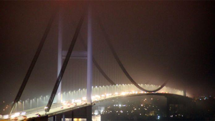 İstanbul'da yoğun sis etkisini gösterdi