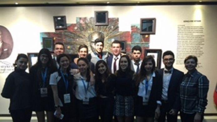 GKV Özel Liseleri Öğrencileri Ulusal Gençlik Formunda